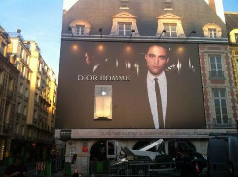 Dior_outdoor2_RobertPattinson