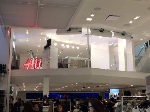 H&M tech store, Times Square